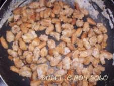arachidi con zucchero sbriciolato
