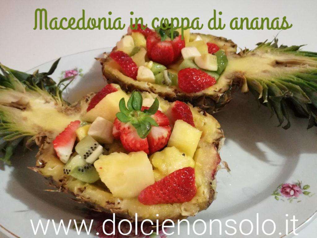 macedonia in coppa di ananas