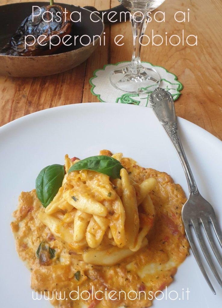 Pasta cremosa ai peperoni con robiola